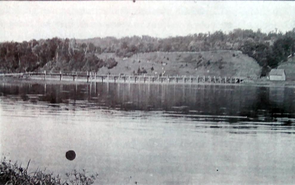east-side-hardwick-lake-possible-pest-house